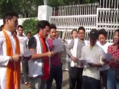 Indian Students Stage Anti China Protest-1 thumbnail